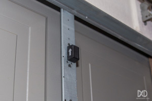 Linear-GD00Z-Z-Wave-Garage-Door-Tilt-Sensor-Installed-1024x683